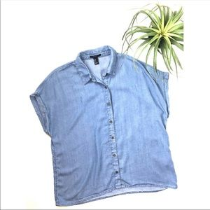 3/$25 Chambray courier short sleeved blouse